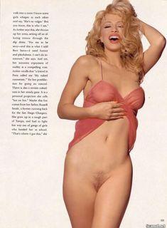 Абсолютно голая Эмбер Смит в журнале Playboy фото #9