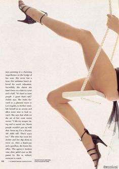 Абсолютно голая Эмбер Смит в журнале Playboy фото #10