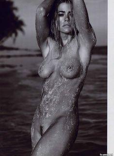 Обнаженная Дениз Ричардс  в журнале Playboy фото #8