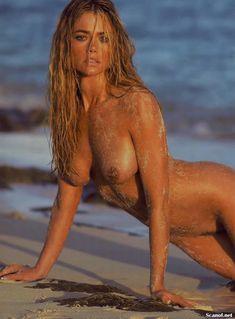 Обнаженная Дениз Ричардс  в журнале Playboy фото #10