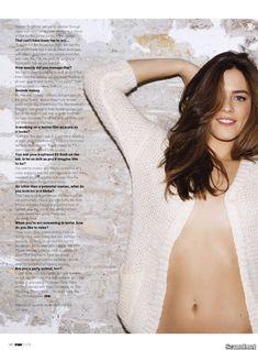 Эротичная Лоренца Иззо на фото в журнале FHM фото #2