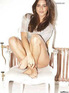 Эротичная Лоренца Иззо на фото в журнале FHM фото #5