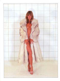 Голая грудь Мэрилин Чэмберс в австралийском журнале Playboy фото #3