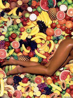 Наоми Кэмпбелл снялась голой  в журнале Playboy фото #5