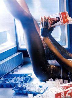 Наоми Кэмпбелл снялась голой  в журнале Playboy фото #11