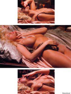 Абсолютно голая Анна Николь Смит  в журнале Playboy Hors-Serie N фото #10