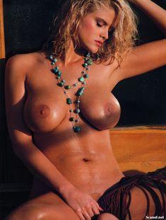 Абсолютно голая Анна Николь Смит  в журнале Playboy Hors-Serie N фото #13