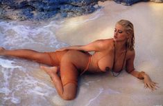 Абсолютно голая Анна Николь Смит  в журнале Playboy Hors-Serie N фото #55