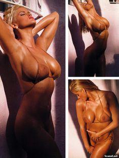 Абсолютно голая Анна Николь Смит  в журнале Playboy Hors-Serie N фото #62