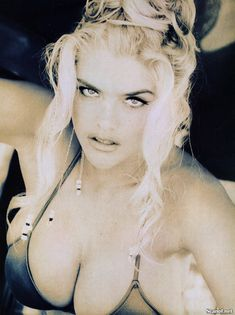 Абсолютно голая Анна Николь Смит  в журнале Playboy Hors-Serie N фото #70