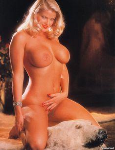 Абсолютно голая Анна Николь Смит  в журнале Playboy Hors-Serie N фото #84