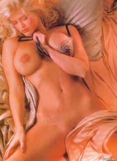 Абсолютно голая Анна Николь Смит  в журнале Playboy Hors-Serie N фото #85