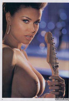 Кармен Электра оголилась в журнале Playboy фото #4