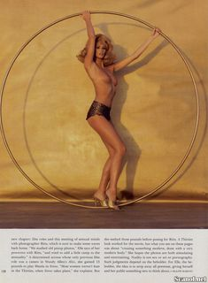 Сексуальная Эль Макферсон показала голую грудь в журнале Playboy фото #6