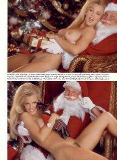 Обнаженная Дженни Маккарти с Дедом Морозом  в журнале Playboy фото #5