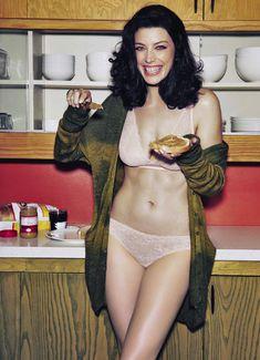 Секси Джессика Паре в журнале Esquire фото #1