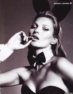Голая грудь Кейт Мосс в журнале Playboy фото #2