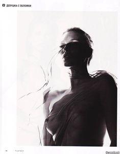 Голая грудь Кейт Мосс в журнале Playboy фото #6