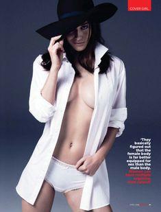 Сексуальная Лиззи Каплан в игривом образе для журнала GQ фото #2