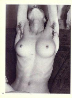 Оюнаженная Мадонна  в журнале Playboy фото #4