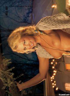 Абсолютно голая Никки Ли позирует в журнале Playboy фото #5