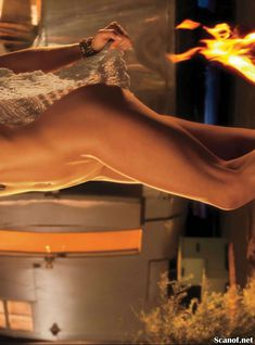 Абсолютно голая Никки Ли позирует в журнале Playboy фото #6