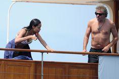 Розарио Доусон в бикини отдыхает на яхте в Каннах фото #6