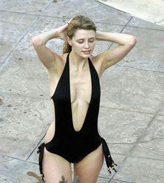 Секси Миша Бартон в купальнике в отеле Bacara Resort & Spa фото #1