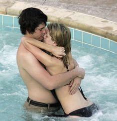 Секси Миша Бартон в купальнике в отеле Bacara Resort & Spa фото #7