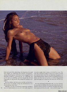 Абсолютно голая Робин Гивенс снялась в журнале Playboy фото #4