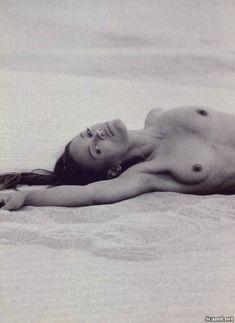 Абсолютно голая Робин Гивенс снялась в журнале Playboy фото #7