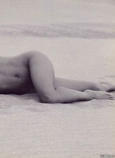 Абсолютно голая Робин Гивенс снялась в журнале Playboy фото #8