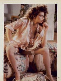 Полностью голая Тери Вейгель снялась в журнале Playboy фото #2