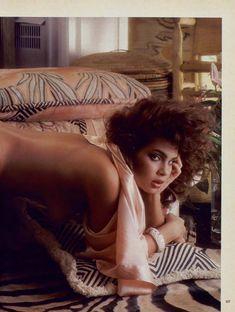 Полностью голая Тери Вейгель снялась в журнале Playboy фото #6