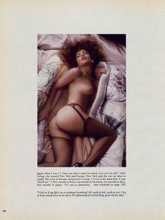 Полностью голая Тери Вейгель снялась в журнале Playboy фото #7