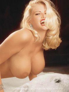 Раздетая Анна Николь Смит  в журнале Playboy фото #11