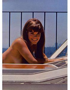 Сочная голая грудь Барби Бентон на фото в журнале Playboy фото #5