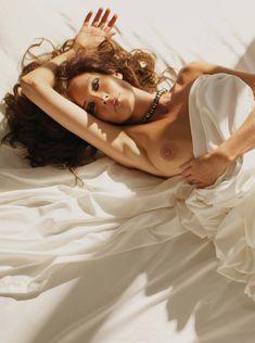 Красивая Кэрол Олт позирует голой в журнале Playboy фото #8