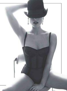 Эротичная Джейми Александер позирует для журнала Esquire фото #2