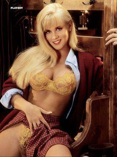 Дженни Маккарти позирует голой в журнале Playboy 90s Playmates фото #3