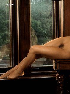 Дженни Маккарти позирует голой в журнале Playboy 90s Playmates фото #5