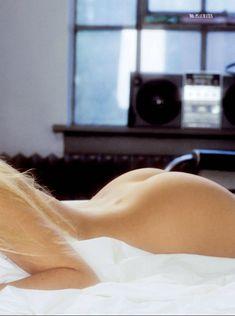 Дженни Маккарти позирует голой в журнале Playboy 90s Playmates фото #10