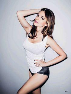 Привлекательная Келли Брук в журнале FHM фото #2