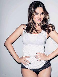 Привлекательная Келли Брук в журнале FHM фото #3