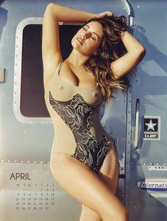 Эротичная Келли Брук для календаря фото #4