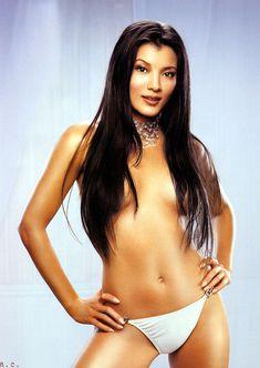 Сексуальная Келли Ху в белье для журнала Maxim фото #2