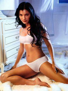 Сексуальная Келли Ху в белье для журнала Maxim фото #4
