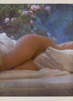 Соблазнительная Урсула Андресс оголилась в журнале Playboy фото #7
