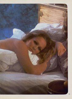 Соблазнительная Урсула Андресс оголилась в журнале Playboy фото #8