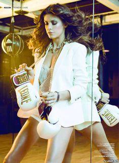Горячая Элизабетта Каналис в эротической фотосесси для журнала Maxim фото #3